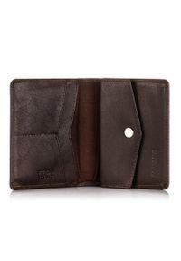BRODRENE - Skórzany cienki portfel męski z ochroną RFID Brodrene 5576 c.brązowy. Kolor: brązowy. Materiał: skóra. Wzór: gładki
