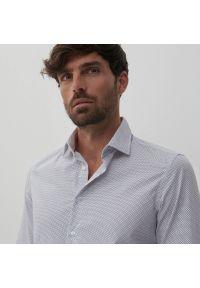 Reserved - Koszula slim fit z drobnym wzorem - Biały. Kolor: biały