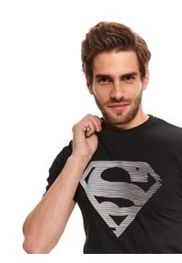Czarny t-shirt TOP SECRET krótki, z nadrukiem, z krótkim rękawem