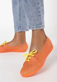 Pomarańczowe baleriny Born2be