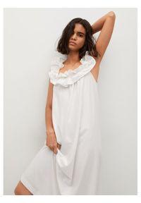 mango - Mango Sukienka letnia Margot 17050161 Biały Relaxed Fit. Kolor: biały. Sezon: lato