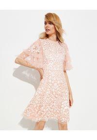 NEEDLE & THREAD - Sukienka mini Aurelia. Kolor: wielokolorowy, różowy, fioletowy. Materiał: szyfon, materiał. Wzór: aplikacja. Typ sukienki: rozkloszowane. Długość: mini
