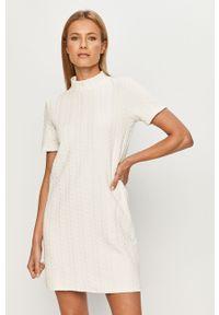 Biała sukienka Haily's z krótkim rękawem, na co dzień, mini
