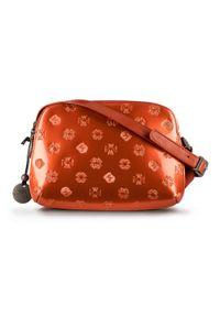 Wittchen - Damska listonoszka skórzana lakierowana z monogramem. Kolor: pomarańczowy. Wzór: gładki. Materiał: lakierowane, skórzane. Rodzaj torebki: na ramię