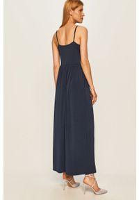 Niebieska sukienka Vero Moda casualowa, na ramiączkach, maxi