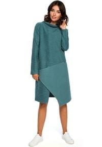 MOE - Turkusowa Asymetryczna Sukienka z Golfem. Typ kołnierza: golf. Kolor: turkusowy. Materiał: bawełna, poliester. Typ sukienki: asymetryczne