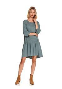 TOP SECRET - Sukienka oversize z kieszeniami. Kolor: zielony. Typ sukienki: oversize