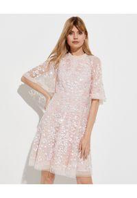 NEEDLE & THREAD - Cekinowa sukienka mini. Okazja: na imprezę. Kolor: różowy, wielokolorowy, fioletowy. Materiał: tiul, koronka. Wzór: kwiaty, koronka, aplikacja. Długość: mini