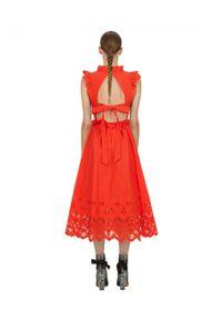 SELF PORTRAIT - Pomarańczowa sukienka midi z falbanami. Okazja: na wesele, na ślub cywilny, na imprezę. Kolor: pomarańczowy. Materiał: koronka, bawełna. Wzór: koronka. Typ sukienki: rozkloszowane. Długość: midi