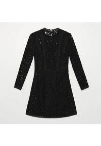 Czarna sukienka Cropp ze stójką