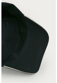 Niebieska czapka z daszkiem Emporio Armani z aplikacjami