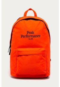 Czerwony plecak Peak Performance z aplikacjami