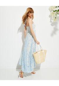 ROCOCO SAND - Sukienka maxi Leas. Kolor: niebieski. Materiał: wiskoza, materiał. Długość rękawa: na ramiączkach. Wzór: kwiaty, nadruk. Długość: maxi