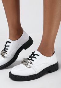 Born2be - Białe Półbuty Belophine. Nosek buta: okrągły. Kolor: biały. Obcas: na platformie. Styl: elegancki