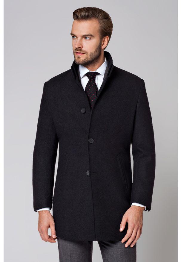Czarny płaszcz Lancerto klasyczny, z klasycznym kołnierzykiem