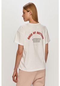 Biała bluzka na co dzień, z nadrukiem
