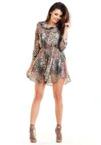 Awama - Brązowa Koszulowa Krótka Sukienka ze Zwierzęcym Motywem. Kolor: brązowy. Materiał: poliester, elastan. Wzór: motyw zwierzęcy. Typ sukienki: koszulowe. Długość: mini