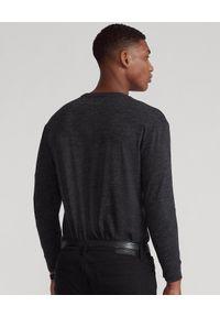 Ralph Lauren - RALPH LAUREN - Koszulka z długim rękawem Custom Fit. Typ kołnierza: polo. Kolor: niebieski. Materiał: tkanina, bawełna, jeans. Długość rękawa: długi rękaw. Długość: długie. Wzór: haft, melanż. Styl: klasyczny