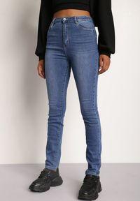Renee - Niebieskie Jeansy Straight Nariroe. Stan: podwyższony. Kolor: niebieski