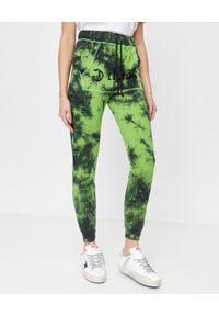 CHAOS BY MARTA BOLIGLOVA - Zielone spodnie dresowe z logo Ravon. Kolor: zielony. Materiał: dresówka. Wzór: nadruk