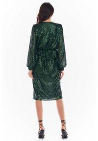 Awama - Kopertowa cekinowa sukienka z asymetrycznym dołem. Typ kołnierza: dekolt kopertowy. Materiał: poliester, dzianina, materiał, elastan. Typ sukienki: asymetryczne, kopertowe