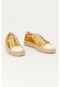 Desigual - Tenisówki. Nosek buta: okrągły. Kolor: żółty. Materiał: guma