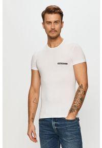 Biały t-shirt Emporio Armani casualowy, na co dzień