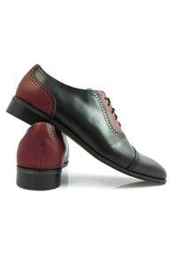 Modini - Czarno-bordowe obuwie męskie - spektatory, caponki, adelaide T124. Kolor: wielokolorowy, czerwony, czarny. Materiał: skóra. Styl: wizytowy, klasyczny