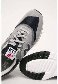Szare sneakersy New Balance z okrągłym noskiem, z cholewką, na sznurówki