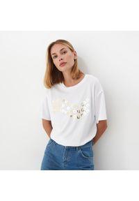 Mohito - T-shirt oversize - Biały. Kolor: biały