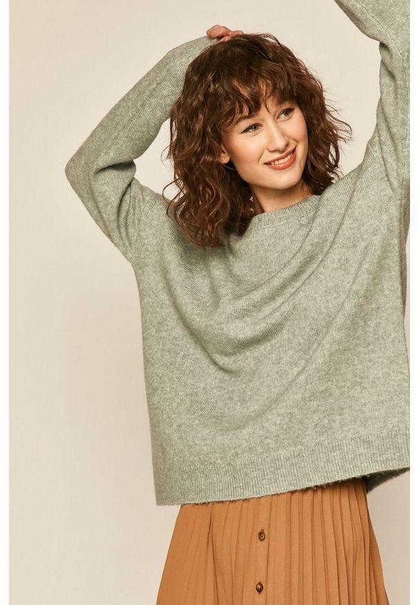 Zielony sweter medicine melanż