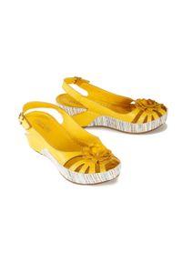 Żółte sandały Artiker Relaks w ażurowe wzory