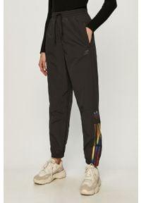 Czarne spodnie materiałowe adidas Originals casualowe, na co dzień