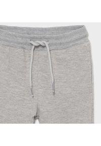 Mayoral Spodnie dresowe 711 Szary Regular Fit. Kolor: szary. Materiał: dresówka