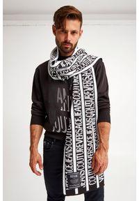 Versace Jeans Couture - SZALIK VERSACE JEANS COUTURE. Materiał: tkanina, wełna. Wzór: napisy, aplikacja