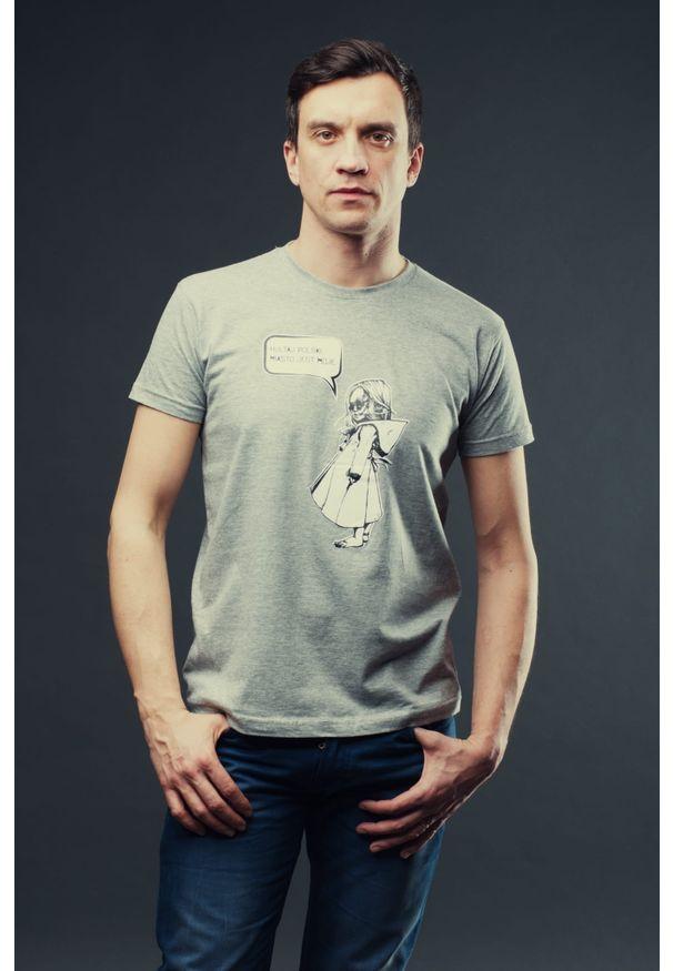 Szary t-shirt Hultaj Polski w kolorowe wzory, na spacer