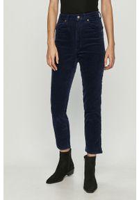 Niebieskie spodnie materiałowe Wrangler z podwyższonym stanem, casualowe