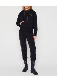 MARLU - Czarna bluza z kapturem. Typ kołnierza: kaptur. Kolor: czarny. Materiał: bawełna. Sezon: jesień. Styl: sportowy, elegancki