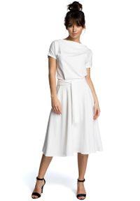 MOE - Ecru Midi Sukienka z Szerokim Dołem. Materiał: bawełna, wiskoza, poliester. Długość: midi