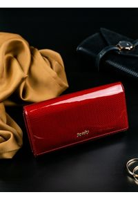 Czerwony portfel ROVICKY w kolorowe wzory