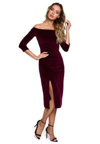 MOE - Welurowa Sukienka Ołówkowa ze Zmysłowym Dekoltem - Bordowa. Kolor: czerwony. Materiał: welur. Typ sukienki: ołówkowe