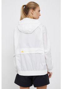 Adidas by Stella McCartney - adidas by Stella McCartney - Kurtka z dołączoną nerką. Typ kołnierza: kaptur. Kolor: biały. Materiał: materiał