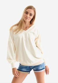Born2be - Beżowa Bluza Badura Mynise. Kolor: beżowy. Materiał: bawełna, poliester. Długość rękawa: długi rękaw. Długość: długie