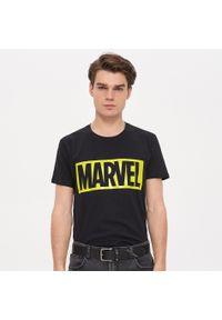 Czarny t-shirt House z motywem z bajki