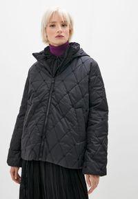 TwinSet - Pikowana kurtka z kapturem Twinset (Outlet). Typ kołnierza: kaptur. Kolor: czarny. Materiał: poliester. Długość: krótkie