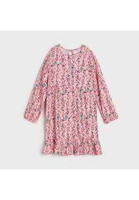 Różowa sukienka Sinsay z falbankami