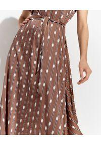 PESERICO - Brązowa sukienka w paski. Kolor: brązowy. Materiał: materiał. Wzór: paski. Typ sukienki: asymetryczne. Długość: midi