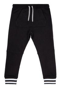 Czarne spodnie dresowe Primigi