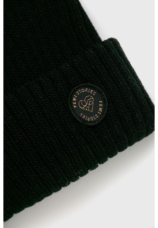 Czarna czapka Femi Stories