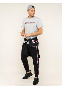 Tommy Sport T-Shirt Logo Chest S20S200051 Szary Regular Fit. Kolor: szary. Styl: sportowy